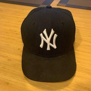 NY New Era Fitted Cap (Sz 6 7/8)